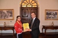 BRONZ MADALYA - Balkan Güreş Şampiyonundan  Vali Çataklı'ya Ziyaret
