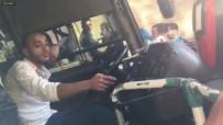 TRAFİK POLİSİ - Bursa'da Özel Halk Otobüsü Direksiyonunda 'Pes' Dedirten Görüntüler...(Düzeltme-Tekrar)
