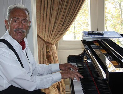 Caz sanatçısı Gencer: Piyano yerine yalı alsaydım kirada oturmazdım