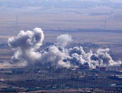 DAEŞ valilik binasını patlattı
