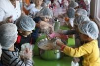 SOSYAL SORUMLULUK PROJESİ - Foçalı Minikler Aşure Pişirdi