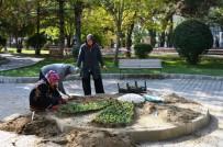 SONBAHAR - Gediz Sonbaharda Çiçeklerle Güzelleşiyor