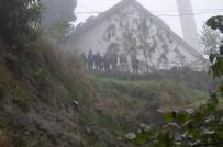 BEŞKÖY - Heyelan Bir Mahalleyi Tehdit Ediyor