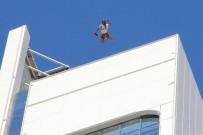 ADRENALIN - İzmir'in Göbeğindeki Kuleden Paraşütle Atladı