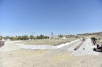 FUTBOL SAHASI - Kıbrıs Mahallesi'ne Yeni Park Ve Spor Alanı
