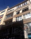 ZEKI YıLMAZER - Kocaeli'de Çatı Onarımı Yapan İşçi 6. Kattan Aşağı Düştü