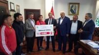 ÇAM SAKıZı - Milli Güreşçiye Kayseri Şeker'den 5 Bin TL Ödül
