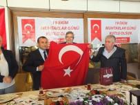 TUNCAY SONEL - Muhtarlara Türk Bayrağı Hediye Edildi