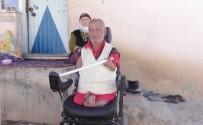 YAŞAM MÜCADELESİ - Doğuştan Engelli Adam Yaşlı Annesiyle Yaşam Mücadelesi Veriyor