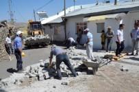 ORHAN BULUTLAR - Palandöken Belediyesi 25 Köyde Sokakları Kilit Taşı İle Nakış Nakış İşledi