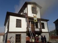 Tarihi Ankara Evinde Korkutan Yangın