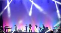 DEMI LOVATO - Demi Lovato Anlatya'yı Salladı
