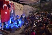 ATAOL BEHRAMOĞLU - Foça'da Yıldızlı Gece