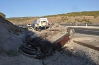 MUHAMMED SÜLEYMAN - Suriyeliler Tatil Yolunda Kaza Yaptı Açıklaması 2 Yaralı