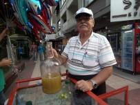 ÜZÜM BAĞI - 70'Lik Dede Koruk Suyu Satarak Torunlarına Harçlık Çıkarıyor