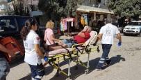 SAĞLIK EKİBİ - Ambulans, Semt Pazarı Sebebiyle Yaralıya Ulaşmakta Zorlandı