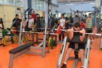 GENÇ KIZLAR - Fitness Salonundan Haftada 500 Kişi Faydalanıyor