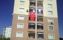 BAYRAM YıLMAZ - Hakkari'deki Şehit Ateşi İzmir'i Yaktı