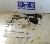 UYUŞTURUCU MADDE - İzmir'de Zehir Tacirlerine Operasyon Açıklaması 9 Gözaltı
