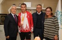MILLI ATLET - Milli Atletten Bozbey'e Teşekkür Ziyareti