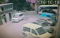 SANAYİ SİTESİ - Minibüsün Çarptığı Yaşlı Adam Hastanede Yaşam Mücadelesi Veriyor