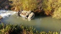ERCAN ÖZDEMIR - Otomobil Tohma Çayı'na Düştü Açıklaması 1 Ölü