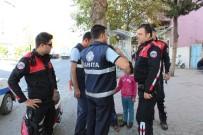 ATATÜRK BULVARI - Polis Suriyeli Dilenci Çocukları Yakaladı