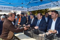 CUMHURİYET MEYDANI - Alaca Belediyesi 5 Bin Aşure Dağıttı