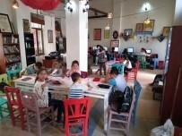 'Bilgi Evi' Gençleri Geleceğe Hazırlıyor