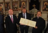 BULGAR - Bin 441 Bulgar'ın Yazdığı Kitap Sveti Georgi Kilisesi'ne Hediye Edildi