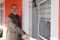 GARIBAN - Bir Gecede 10 Ev Soyuldu Mahalleli Hırsızlara İsyan Etti