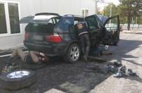 İSTIHBARAT - Dereköy'de Bir Araçta 3 Adet Kalaşnikof Bulundu