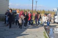 AKİF ÇAĞATAY KILIÇ - Erzurum'da İlk Kez Kız Öğrencilere Ücretsiz Buz Pateni