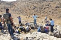 MAHSUR KALDI - Hazine Ararken Mağarada Mahsur Kalan 3 Kişiyi AFAD Ve İtfaiye Kurtardı