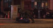 BOMBA İMHA UZMANI - İzmir'de Şüpheli Paket Paniği