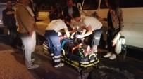 ATATÜRK BULVARI - Seyir Halindeyken Açılan Kapıdan Düşen Yolcu Hastaneye Kaldırıldı