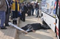 HALK OTOBÜSÜ - Yaşlı Adam Otobüsün Altında Can Verdi, Kızı Şoka Girdi