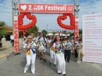 KIRMIZI GÜL - 2. Dalyan Aşk Festivalinde Barışa Ve Sevgiye Çağrı