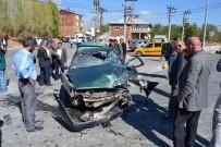 YÜK KAMYONU - Ahlat'ta Trafik Kazası Açıklaması 6 Yaralı