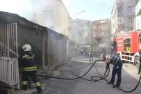 YANGINA MÜDAHALE - Bafra'da Depo Yangını