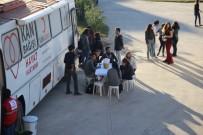 VATANDAŞLıK - Burhaniye'de Üniversiteliler Kan Bağışladı