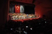 VALİ YARDIMCISI - Çocuk Senfoni Orkestrası 'Cumhuriyet Konseri' İle İzleyenleri Büyüledi