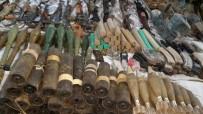 ÖZEL KUVVETLER - Hakkari'de Çok Sayıda Silah Ele Geçirildi