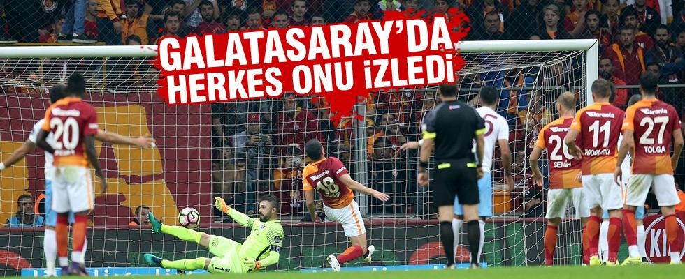 Sinan Engin Galatasaraylılar onu seyretti