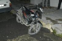 MOTOSİKLET SÜRÜCÜSÜ - Tekirdağ'da Trafik Kazası Açıklaması 1 Yaralı