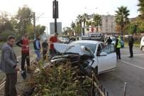 ATATÜRK BULVARI - Zincirleme Kaza Açıklaması 4 Yaralı