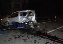 MOTOSİKLET SÜRÜCÜSÜ - Çanakkale'de Trafik Kazası Açıklaması 2 Ağır Yaralı