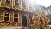 TARİHİ BİNA - Kapanca Sokak'ta Restorasyon Çalışmaları Sürüyor