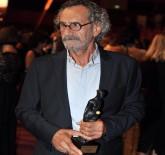 MENDERES SAMANCILAR - Ödülünü Suriyeli Çocuklara Adadı