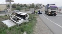 FARABI - Önüne Çıkan Poşetten Kaçarken Kaza Yaptı Açıklaması 3 Yaralı